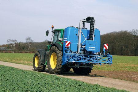 A függesztett gép súlypontját a traktorhoz közelebb helyezték