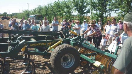 82_1 FARMER EXPO WINGMASTER