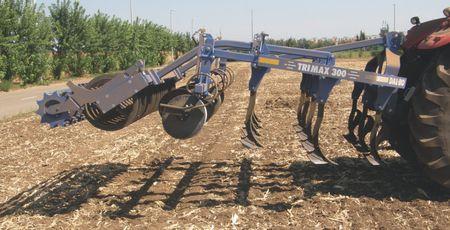 Dal-Bo TriMax 300 szántóföldi kultivátor  3 kapasorral, akár 30 cm munkamélységgel