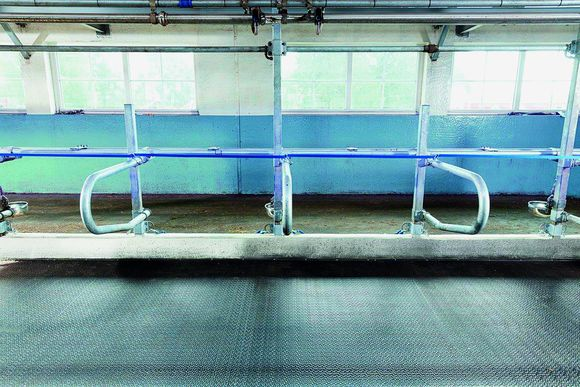 DLG-approved for Deformability/Elasticity and Permanent Tread Load: DeLaval cow mattress M40SB  for stanchion barns