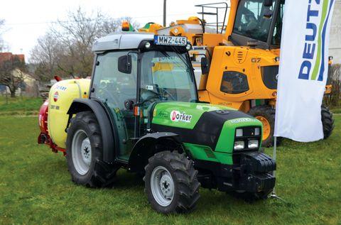 DF Agroplus 420 F ültetvénytraktor