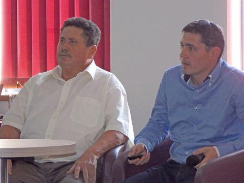 A tréningen megszólaltak a gazdák. Farkas László (balról) és Kukorelli Gábor beszámolója a gazdaságaikban alkalmazott precíziós technológiákról