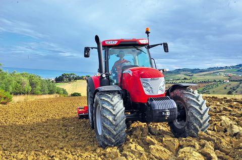 McCormick X6.430 traktor szántás elmunkálás közben
