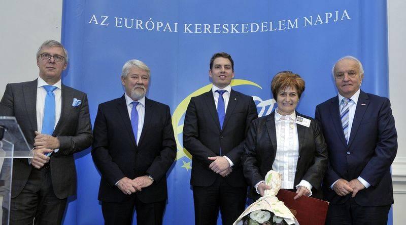 balról_krisán lászló_tolnay tibor_weingartner balázs_pásztor istvánné, az unió coop zrt. kereskedelmi igazgatója_pekó lászló-800
