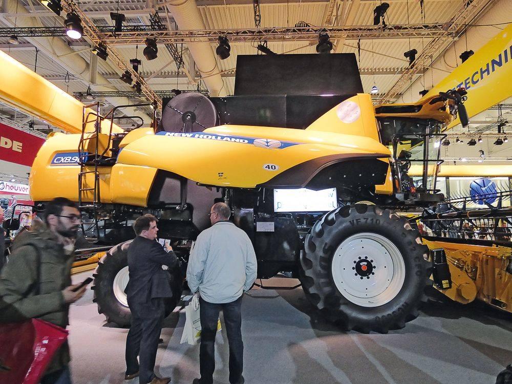 new-holland-cx-8.90-p1030495