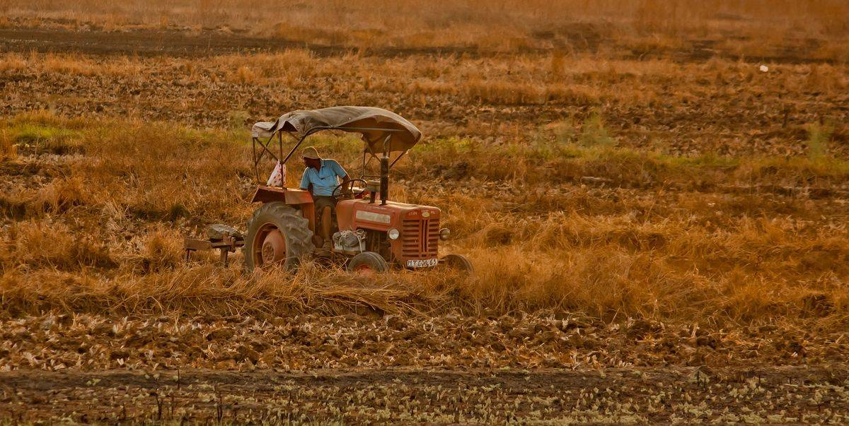 tractor-167075_1920-k